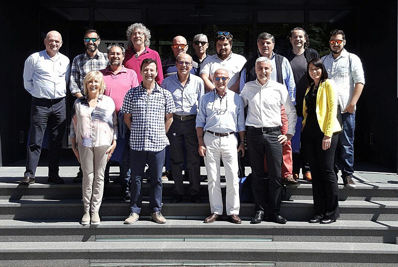 Varios socios de ASER en las instalaciones de TAB Batteries en Eslovenia.